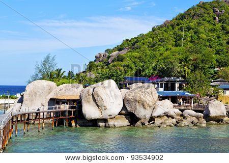 Kho  Isle White  Beach    Rocks House Boat In Thailand