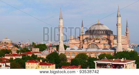 Hagia Sophia (Sancta Sophia or Ayasofya). Istambul