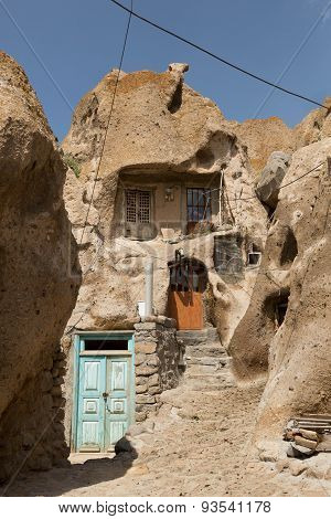 troglodyte homes