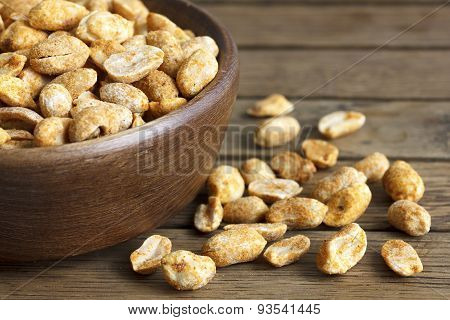 Dry roasted spicy peanuts.