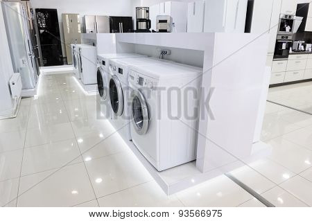 Washing machines, refrigerators and other domestic appliance equipment in the store