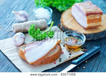 Smoked Lard With Bread