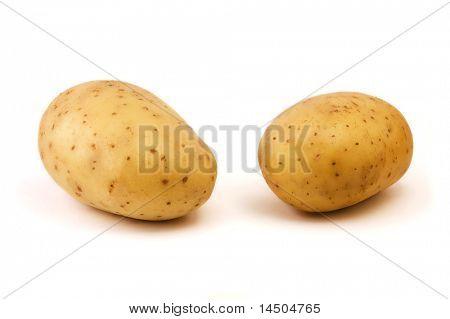 zwei Kartoffel isolated on white background