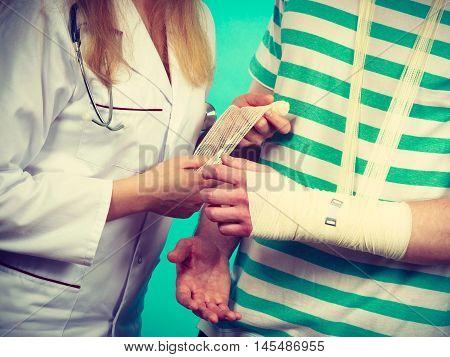 Man With Broken Hand Visit Doctor.