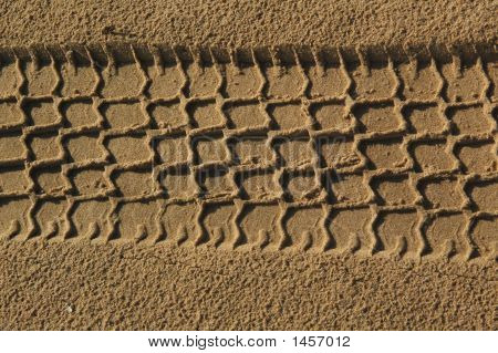 Path Of Car In Sand2