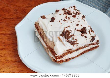 Coffee Meringue Cake With Cream