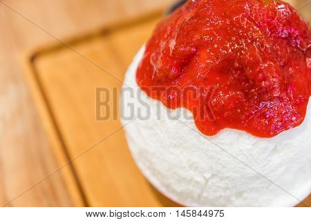 Korean dessert : Bing Su with Strawberry