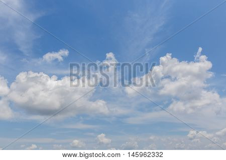 Background beautiful clouds on sunshine day in the blue sky