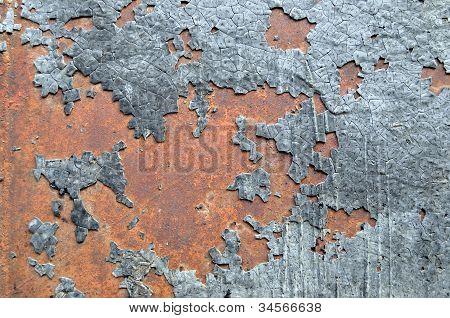 Resin on rusty wall