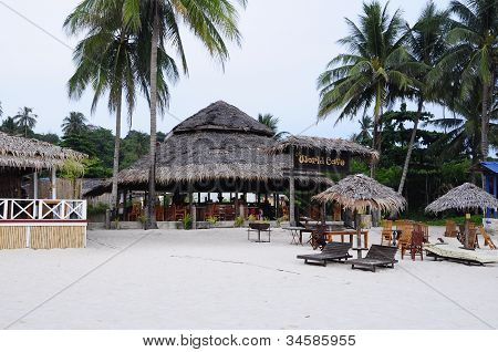 Restaurant with traditional style Architecture
