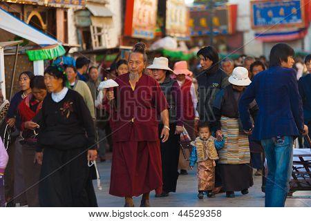Tibetan Pilgrims Barkhor Jokhang Lhasa Crowded