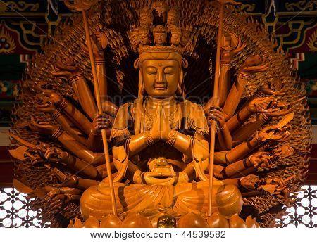 Kuan Yin With 1000 Hands