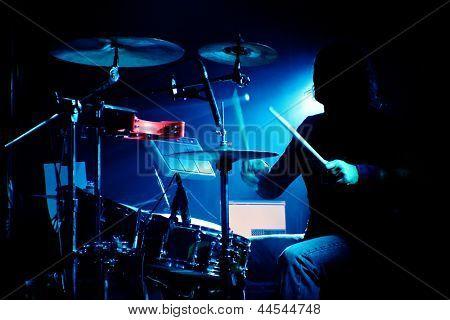 Schlagzeuger bei einem Gig