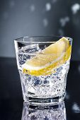 foto of boomerang  - Gin Tonic Tom Collins on the dance floor - JPG