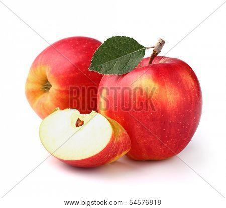 Ripe apples with leaf