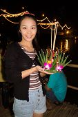Loi Krathong Young Lady Wishing