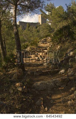 Escalera hacia el castillo