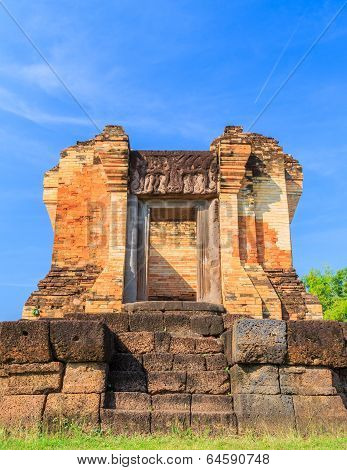 After The Restoration Of The Castle Rock In The Northeast Of Thailand, Prasat Sra Kamphaeng Yai, Si