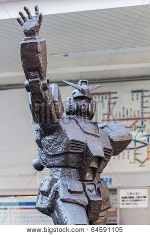 Mobile Suit Gundam Sculpture