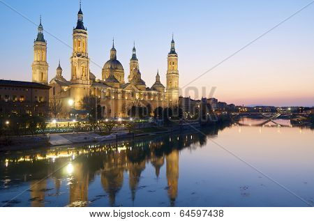 View of the  basilica of the Virgen del Pilar and Ebro river, Zaragoza, Aragon, Spain