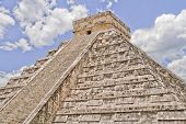 picture of yucatan  - The big Kukulkan pyramid in Chichen Izta - JPG