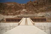 pic of hatshepsut  - Hatshepsut temple at west bank of Luxor - JPG