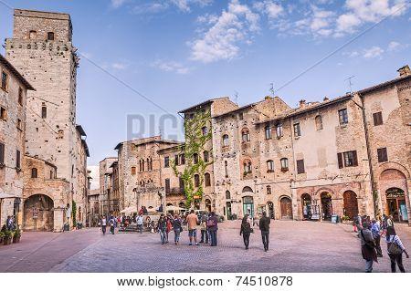 Square In San Gimignano.tuscany. Italy