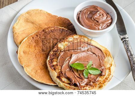 Pancakes With Chocolate Cream