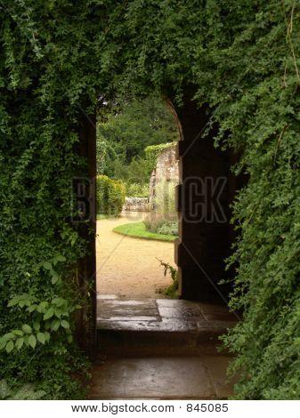 garden archway view
