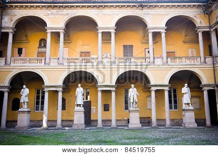 Courtyard Pavia University