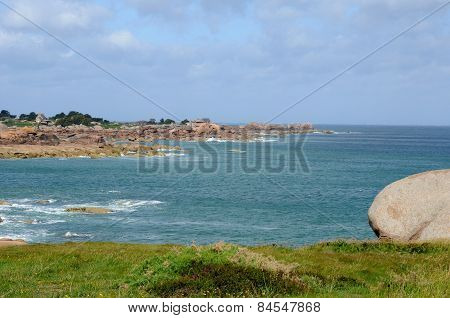 Brittany, Granite Rocks In Tregastel