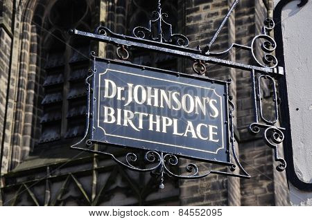 Dr Johnsons Birthplace sign.