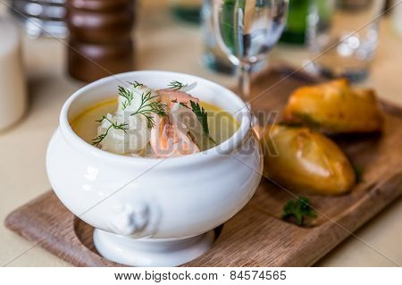 Restourant Serving Dish - Salmon Soup On Wooden Board With Pie, Drink On Table
