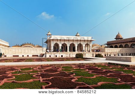 Anguri Bagh And Khas Mahal In Red Agra Fort