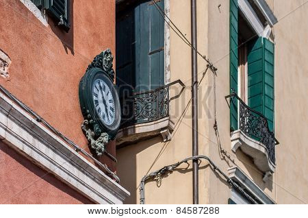 Outdoor Analog Wall Street Clock In Venice, Italy