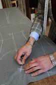 foto of tailoring  - Real tailor working near Assisi in Italy  - JPG
