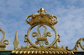 image of versaille  - Ile de France golden gate of Versailles palace in Les Yvelines - JPG