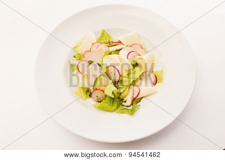 salad with radish and cheese