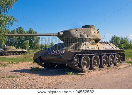 Medium Tank T-34-85, USSR, 1944