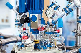 foto of reactor  - Basic Glass Reactor system for Pilot Plants - JPG