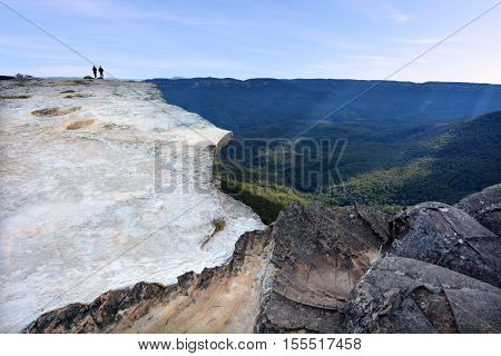 People Hikes On Lincoln Rock Lookout At Sunset Of The Grose Valley Located Within The Blue Mountains
