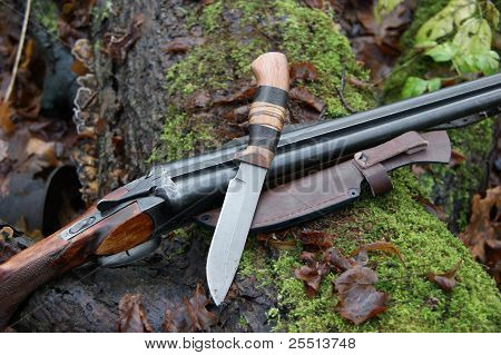hunting gun and knife