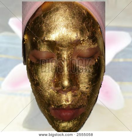 Gold Mask Facial Treatment