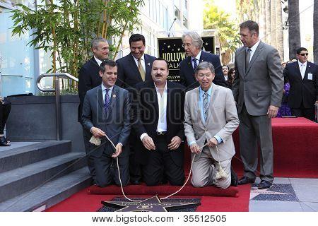 LOS ANGELES -JUL 26: Jose Huizar Pepe Aguilar, Eric Garcetti, Leron Gubler, Neil Portnow honrando