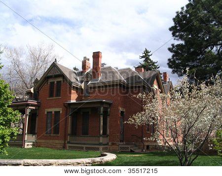 Bela casa de tijolos