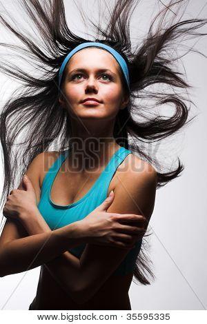 Junge sportliche Frau