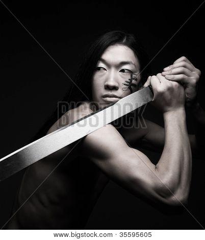 homem asiático com katana. rosto-art.