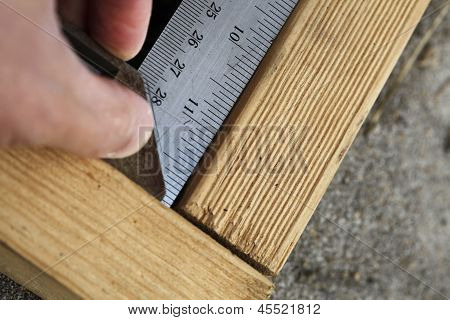 Measuring right angle