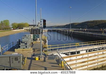 Hastings Lock And Dam Structure And Facility