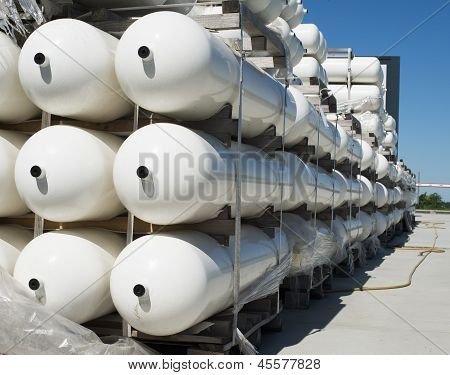 Weiße industrielle Butan Flaschen